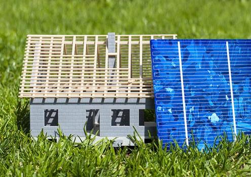Haftpflichtversicherung und Wohngebäudeversicherung für Photovoltaikanlagen - was braucht man und lohnt sich eine Photovoltaik-Versicherung