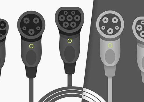 Verschiedene Steckertypen für Elektroautos