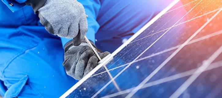 Ablauf der Montage einer Photovoltaikanlage und Installation einer Photovoltaikanlage